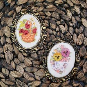 Beautiful small  embroidery decor?